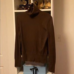 Lilly Pulitzer brown turtleneck sweater. Size XS.